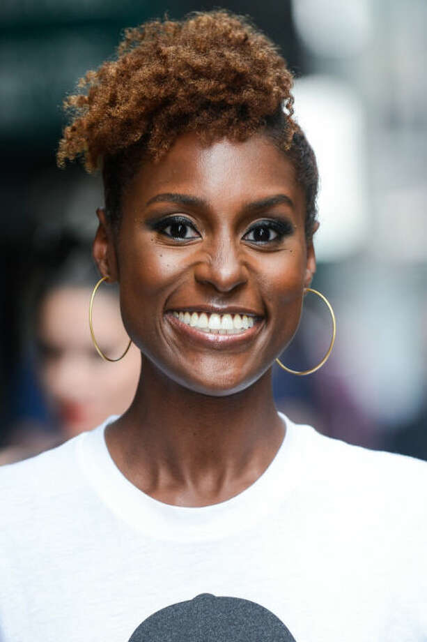 Skintone-Complementing Brunette Issa Rae's rich brown  shade is close in tone to her skin, creating a monochromatic yet  multitonal look that enhances her skin's gorgeous glow. Photo: Getty
