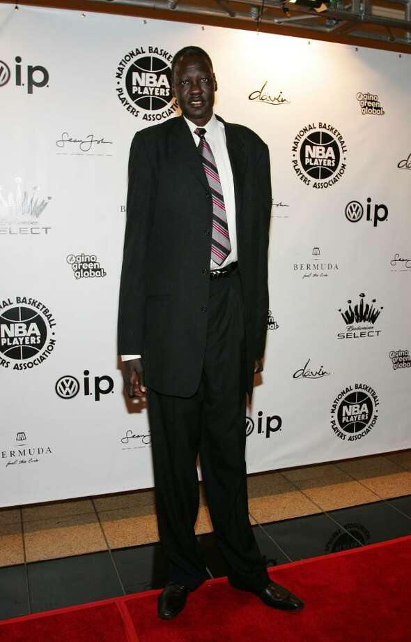 LAS VEGAS - FEBRUARY 17:  Manute Bo arrives at the 2007 NBPA All-Star Gala presented by by Budweiser Select at the Mandalay Bay Events Center on February 18, 2007 in Las Vegas, Nevada.  (Photo by Ethan Miller/Getty Images) *** Local Caption *** Manute Bo Photo: Ethan Miller, Getty Images / 2007 Getty Images