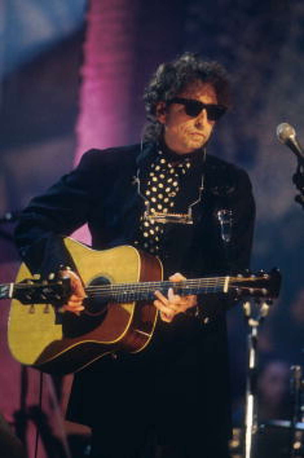Bob Dylan performing on MTV unplugged at the Sony Music Studio in New York City on November 18, 1994.
