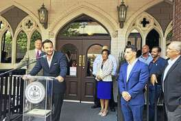 "Johnny ""Mac"" Mocadlo said Vanity Bar will offer a unique entertainment space in New Haven. Mayor Toni Harp welcomed the new venue Tuesday, while chef Andrew Fine promised an exciting menu."