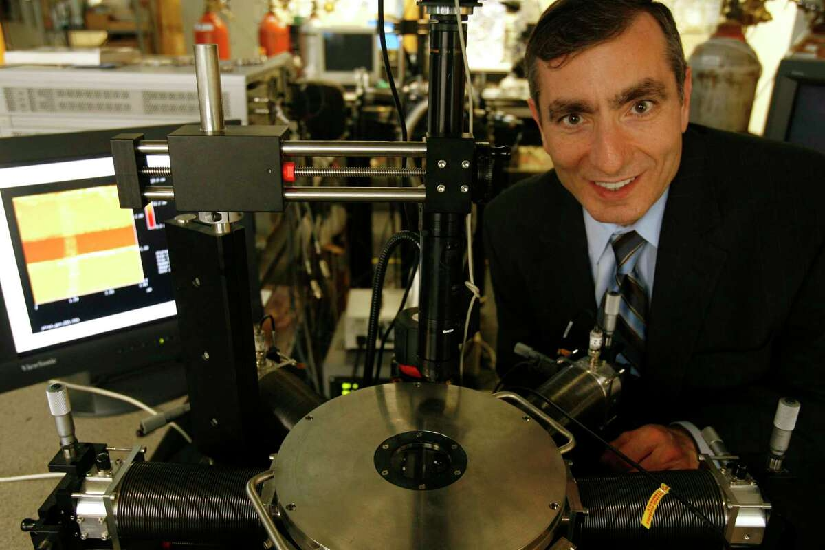 """Rice University professor Jim Tour: """"Hydrogen is a great way to store electricity."""""""
