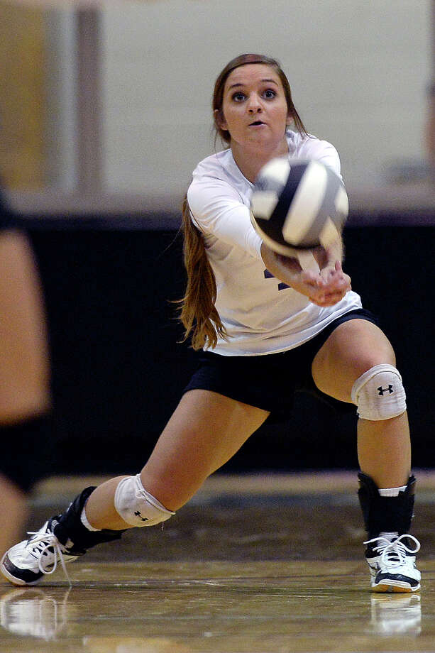 Midland Classical's Allision Shelby (4) takes a serve from Colorado City on Aug. 22, 2017, at MCA. James Durbin/Reporter-Telegram Photo: James Durbin