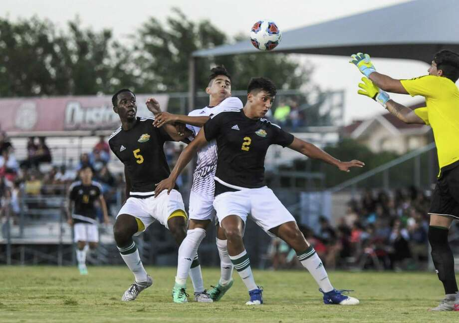 Laredo Community College topped Paris 3-0 on Saturday afternoon, which boosted the Palominos record to 2-1 on the year. Photo: Danny Zaragoza /Laredo Morning Times File