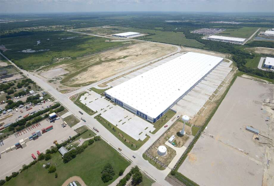 Ware Malcomb's Houston office provided master planning and architectural design services for the 531-acre Southport Logistics Park in Wilmer, south of Dallas. The park is being developed by Port Logistics Realty. Photo: Ware Malcomb