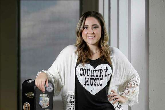 Seventeen-year-old country singer Hannah Kay of Magnolia will perform Tuesday at Dosey Doe.