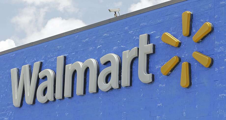 Walmart is giving away free food and drinks all week at various locations north and west of Houston.SLIDESHOW: Unsung heroes of Hurricane Harvey. Photo: Alan Diaz, Associated Press
