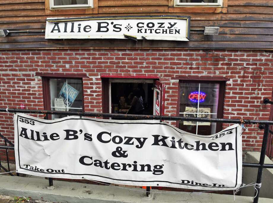 Allie B's Cosy Kitchen on Clinton Avenue Friday August 18, 2017 in Albany, NY.  (John Carl D'Annibale / Times Union) Photo: John Carl D'Annibale / 20041320A