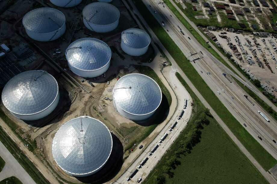 Aerial view of East Sam Houston Parkway North and South Atlantic Services on Sept. 7. Officials have called protecting the petrochemical facilities on Houston's east side critical in the event of severe weather. Photo: Michael Ciaglo, Houston Chronicle / © 2016  Houston Chronicle