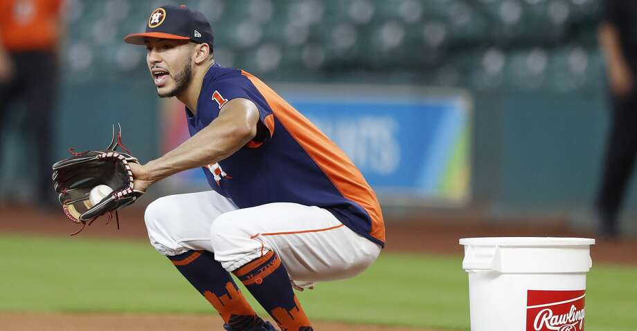 Carlos Correa is expected to return to the Astros' lineup on Sunday. He has been sidelined since July 18 and underwent surgery to repair a torn ligament in his left thumb. Photo: Karen Warren/Houston Chronicle