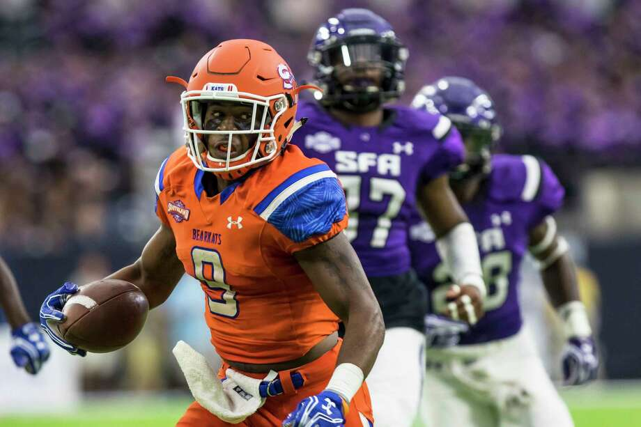 Sam Houston State wide receiver Yedidiah Louis (9) is 115 receiving yards away from becoming the Southland Conference's all-time leader in that category. Photo: Joe Buvid, Freelance / for the Houston Chronicle