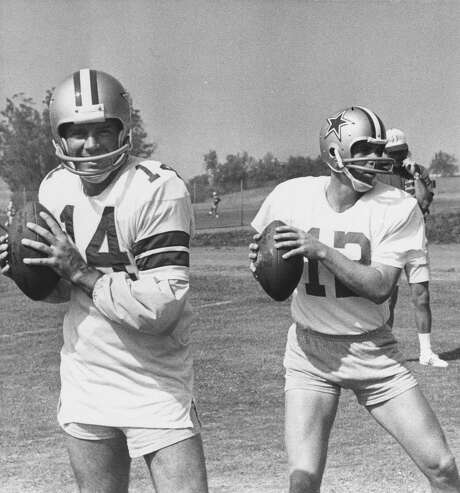 With a quarterback conundrum, Cowboys coach Tom Landry tried a two-QB system with Craig Morton (14) and Roger Staubach in 1971, even having them alternate snaps. Landry eventually settled on Staubach, above, paving the way toward Dallas' first two Super Bowl championships. Photo: STF / AP
