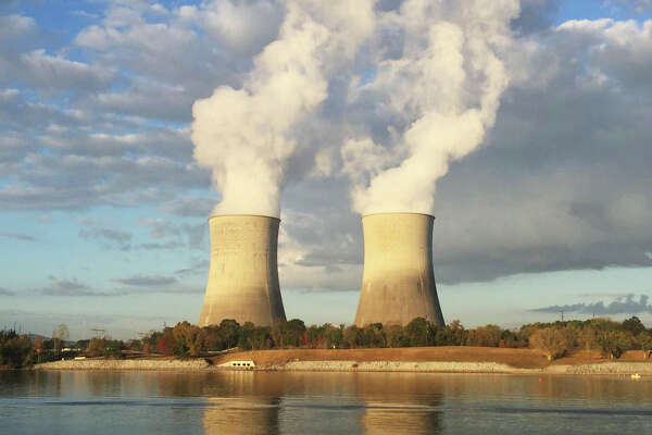 The Tennesee Valley Authority's Watts Bar site is part of the nation's nuclear fleet. A new Energy Department report urges valuing coal and nuclear plants more highly.