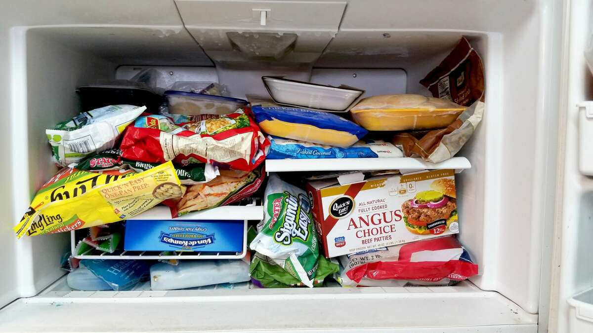 Strengthin numbers USDA TIP: Group foods together in the freezer - this 'igloo' effect helps the food stay cold longer