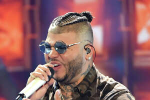 "CORAL GABLES, FL - JULY 06:  Farruko performs on stage during Univision's ""Premios Juventud"" 2017 Celebrates The Hottest Musical Artists And Young Latinos Change-Makers at Watsco Center on July 6, 2017 in Coral Gables, Florida.  (Photo by Rodrigo Varela/Getty Images for Univision)"