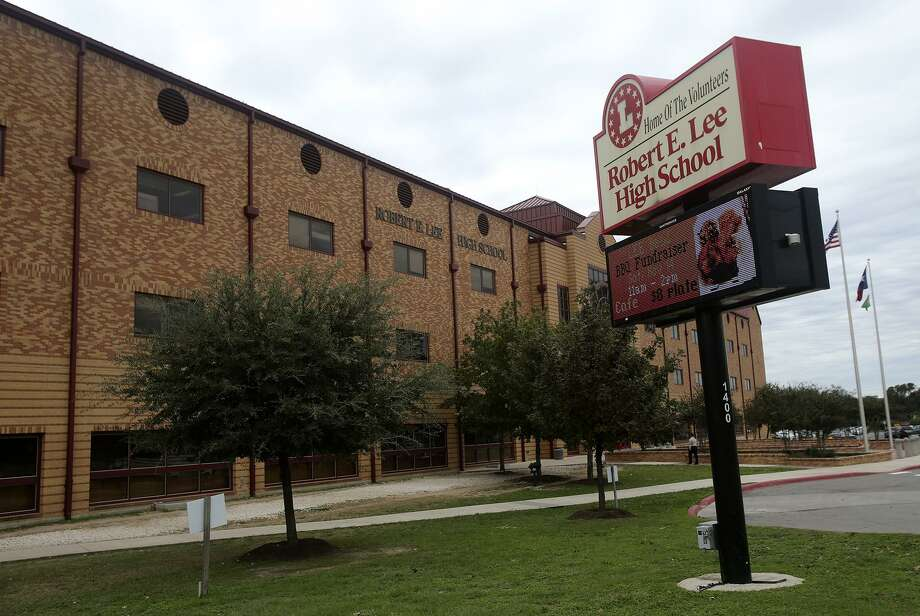 Robert E. Lee High School through the yearsThe violence in Charlottesville, Virginia, renewed interest in changing the name of Robert E. Lee High School in San Antonio. On Aug. 29, 2017, the North East ISD board voted to drop the name of the school. Photo: John Davenport /San Antonio Express-News / ©San Antonio Express-News/John Davenport