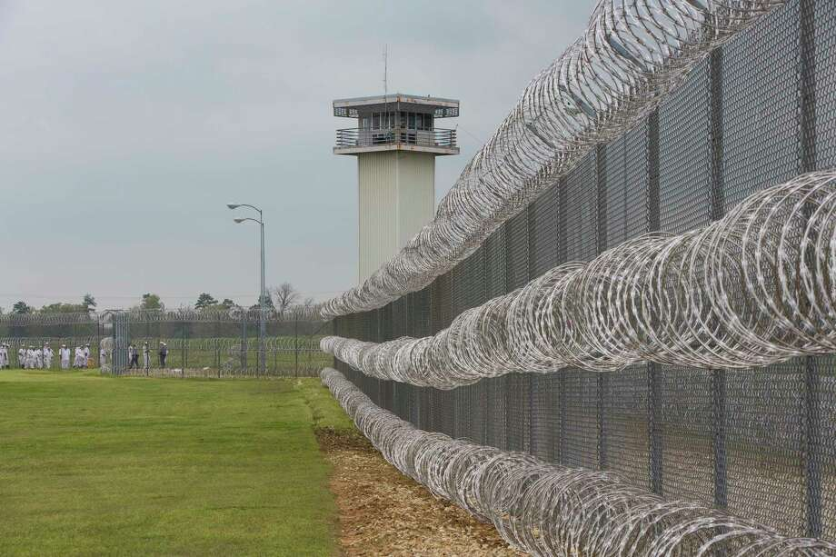 According to messages sent to Chron.com, conditions within a federal prison in Beaumont have deteriorated. Prison officials assert there are adequate supplies of water and food.  Photo: RUTH FREMSON, STF / NYTNS