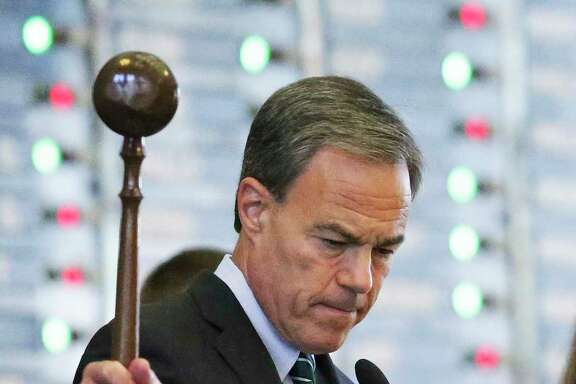 Speaker Joe Straus proved himself a lonely voice of sanity in our state's leadership, but it has put him in a potentially difficult position. (Tom Reel / San Antonio Express-News)