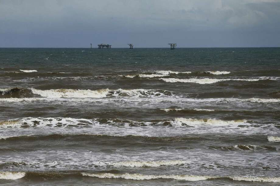 Oil and gas platforms off of Mustang Island sit as Hurricane Harvey approached Texas on Friday, Aug. 25, 2017. Photo: Kin Man Hui /San Antonio Express-News / ©2017 San Antonio Express-News