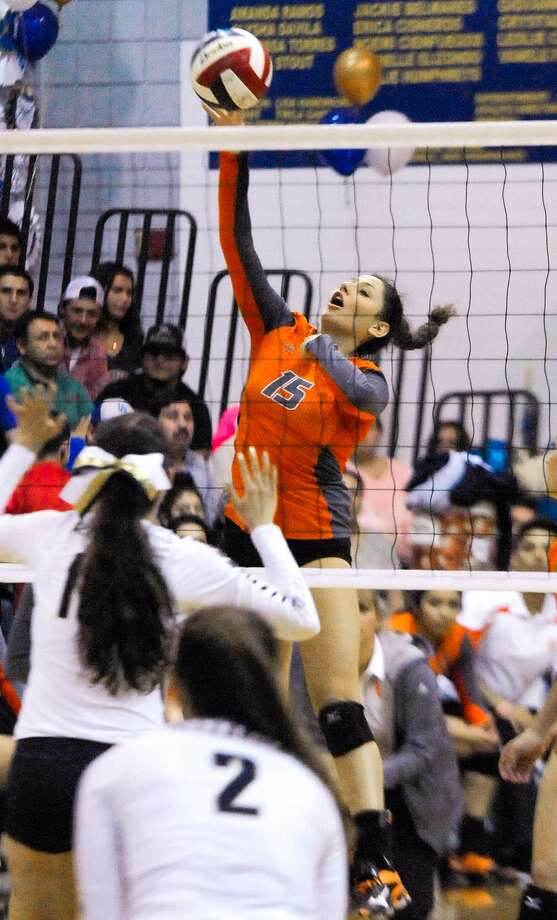 Former United standout Isela Murillo had a double-double in her first collegiate game at LCC to help beat Western Texas 3-0 on the road Thursday night in the Palominos' season opener. Photo: Danny Zaragoza /Laredo Morning Times File / Laredo Morning Times