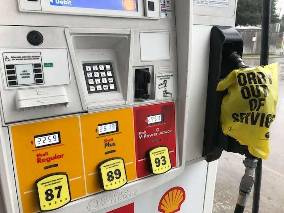 US Eases Restrictions on Fuel Use to Minimize Storm-related Shortages