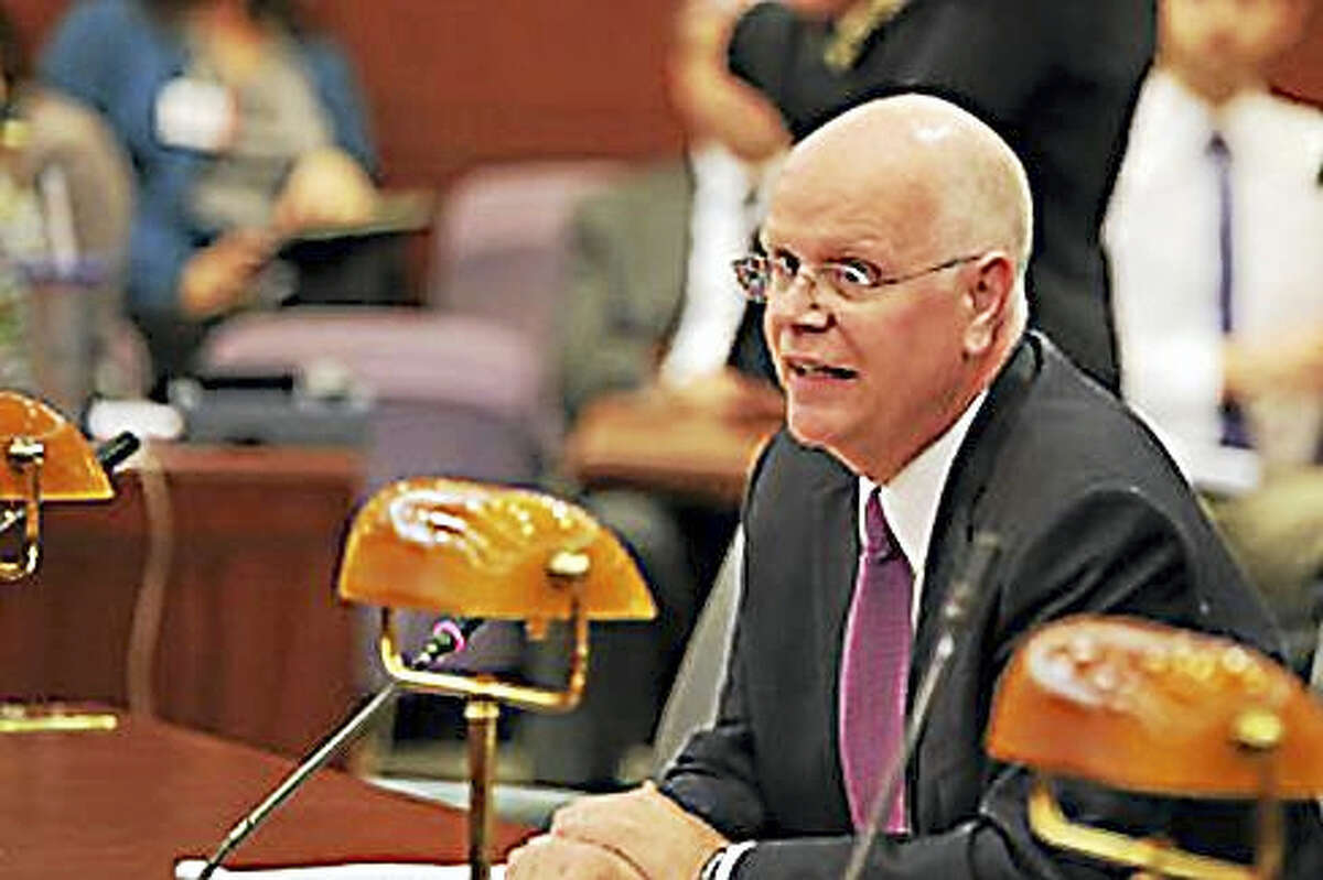 State Comptroller Kevin Lembo testifies in 2016 to the Finance Committee