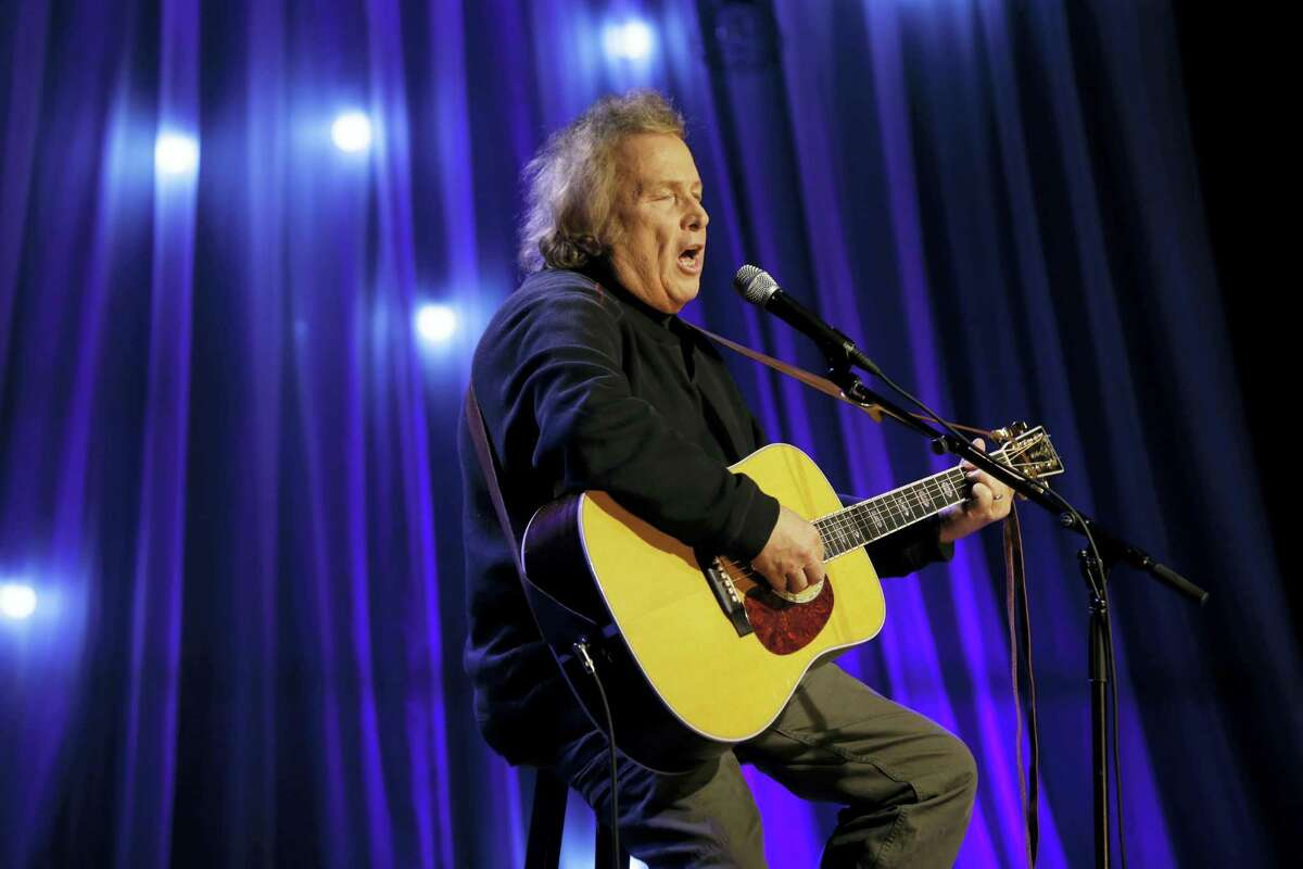 """In this Dec. 13, 2016, file photo, Don McLean performs during a taping of Dolly Parton's Smoky Mountain Rise Telethon in Nashville, Tenn. A domestic assault charge against McLean has been dismissed after he met the terms of a plea agreement, including staying out of trouble for a year. McLean pleaded guilty in a Maine court under a """"deferred disposition"""" process in which the charge could be wiped away if a defendant met certain conditions. McLean paid a $3,000 fine Thursday, July 20, 2017 to settle remaining charges."""