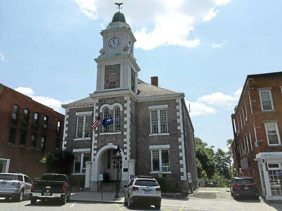 Litchfield Superior Court on West Street. Photo: Ben Lambert / Hearst Connecticut Media
