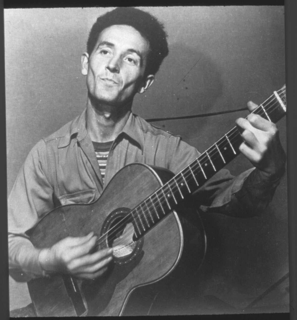 folksinger, Woody Guthrie