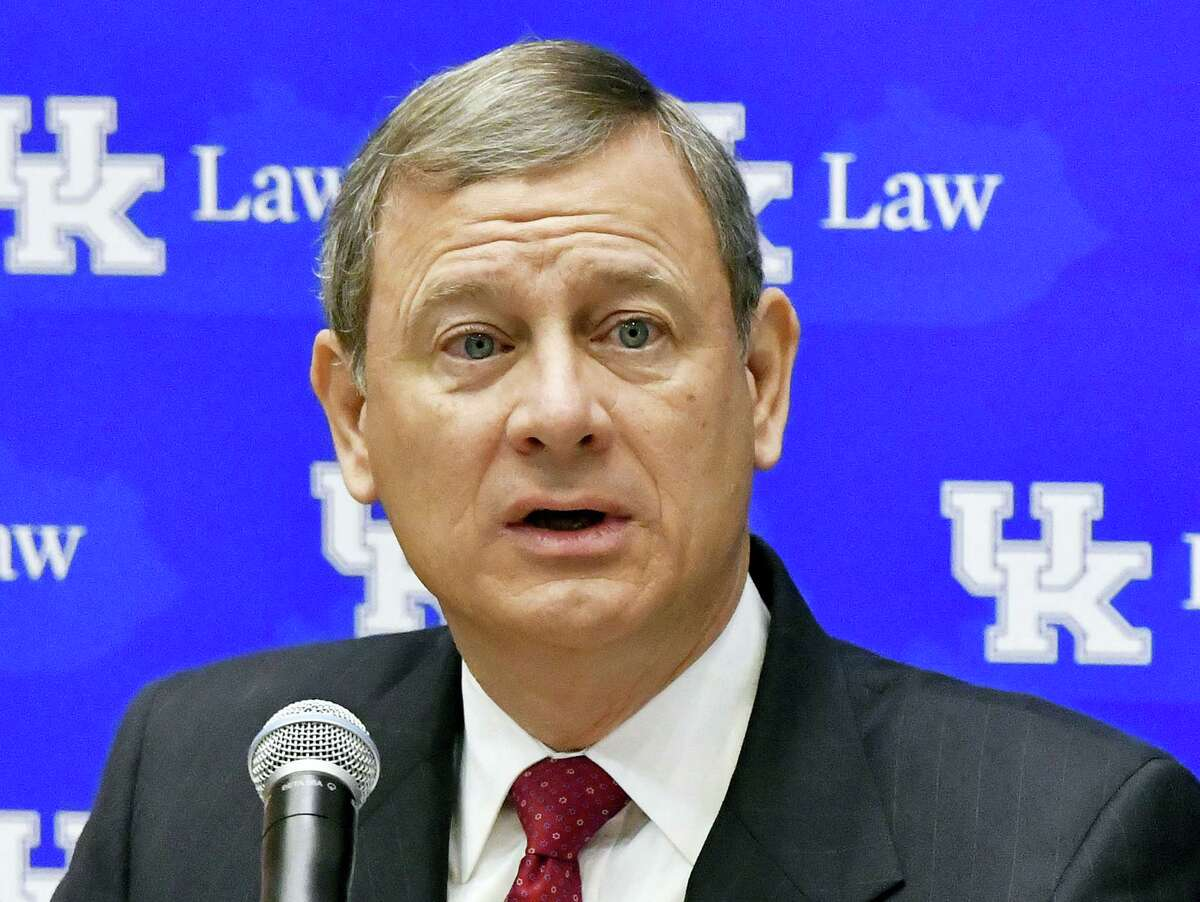 Timothy D. Easley — the associated press Chief Justice John Roberts speaks in Lexington, Ky.