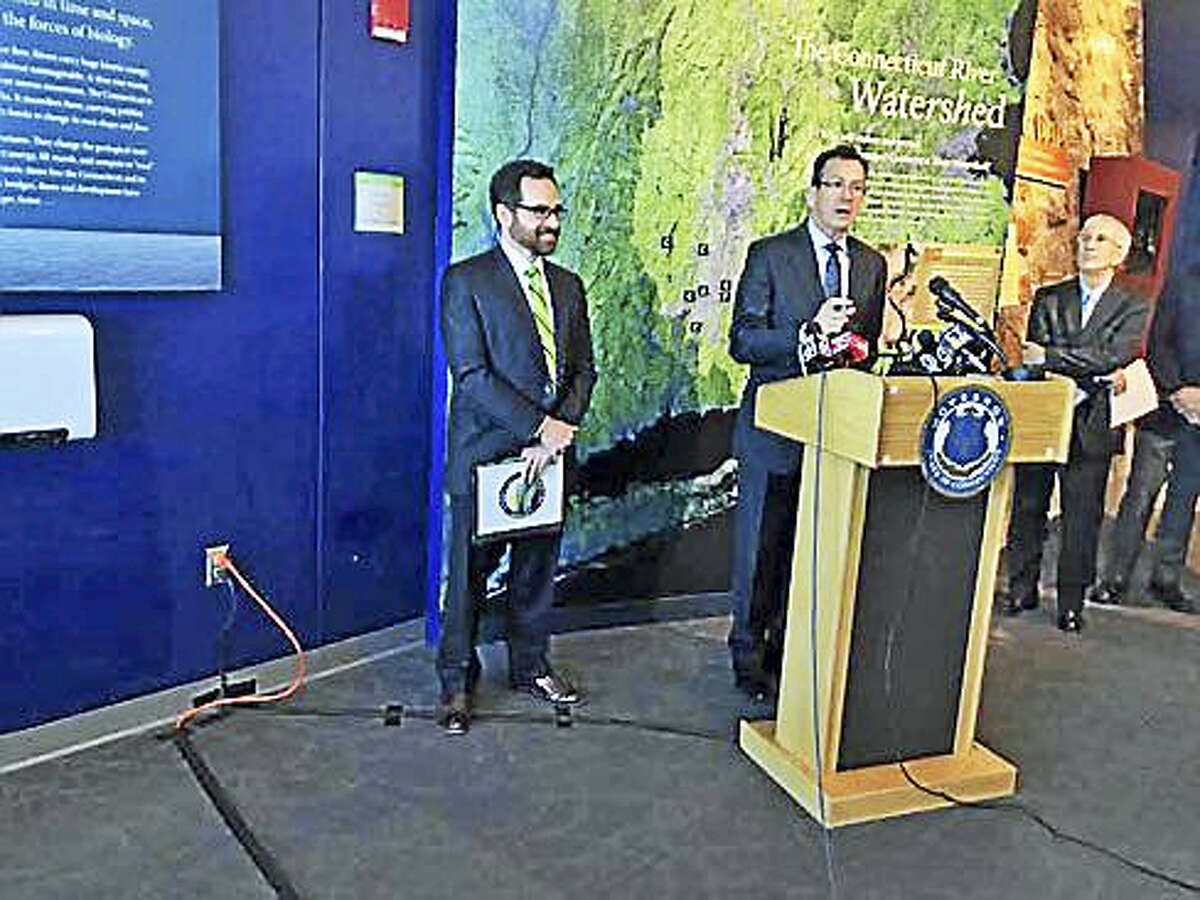 Gov. Dannel P. Malloy with DEEP Commissioner Robert Klee and Gary Yohe, a Huffington Foundation professor of Economics and Environmental Studies at Wesleyan University and 2007 Nobel Peace Prize recipient.