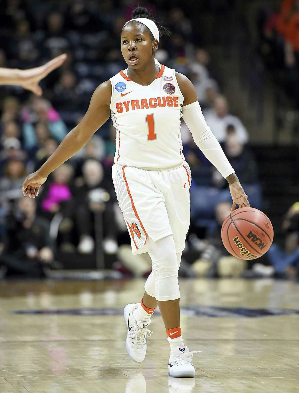 Syracuse point guard Alexis Peterson.