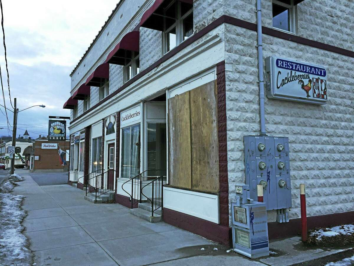 Ben Lambert - The Register Citizen A cafe-style restaurant is coming to the former Cackleberries, near the end of March.