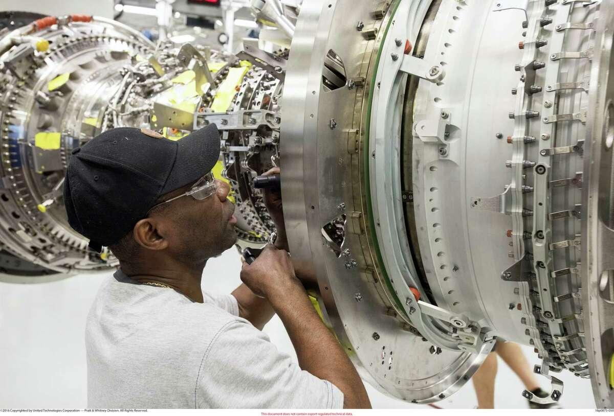 Pratt & Whitney Assembler in Middletown on PW1100G JM line.