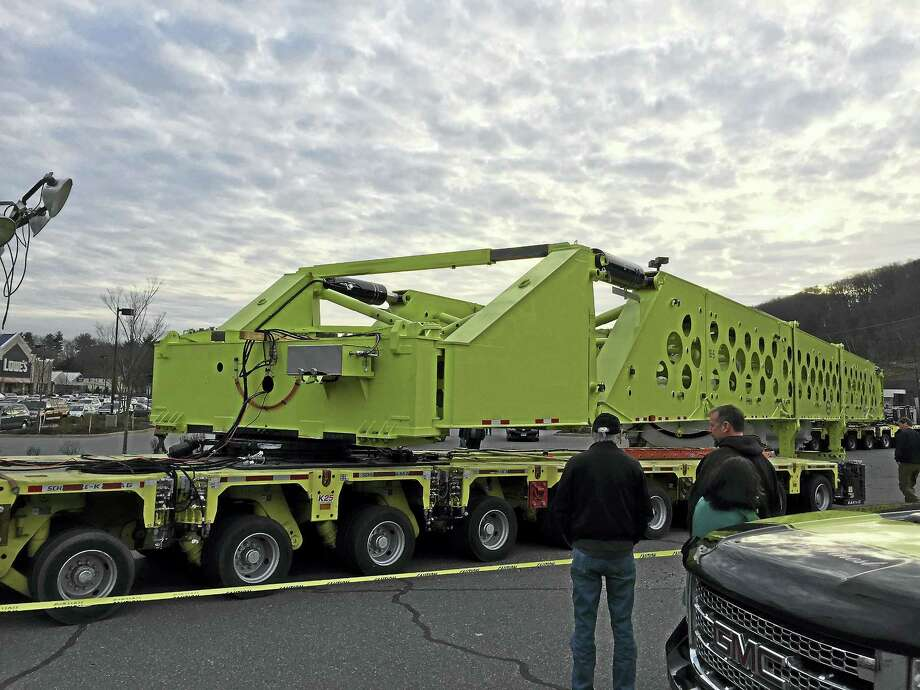A natural gas turbine spent the day in Torrington as it moves from Windsor Locks to Oxford. Photo: Ben Lambert — The Register Citizen