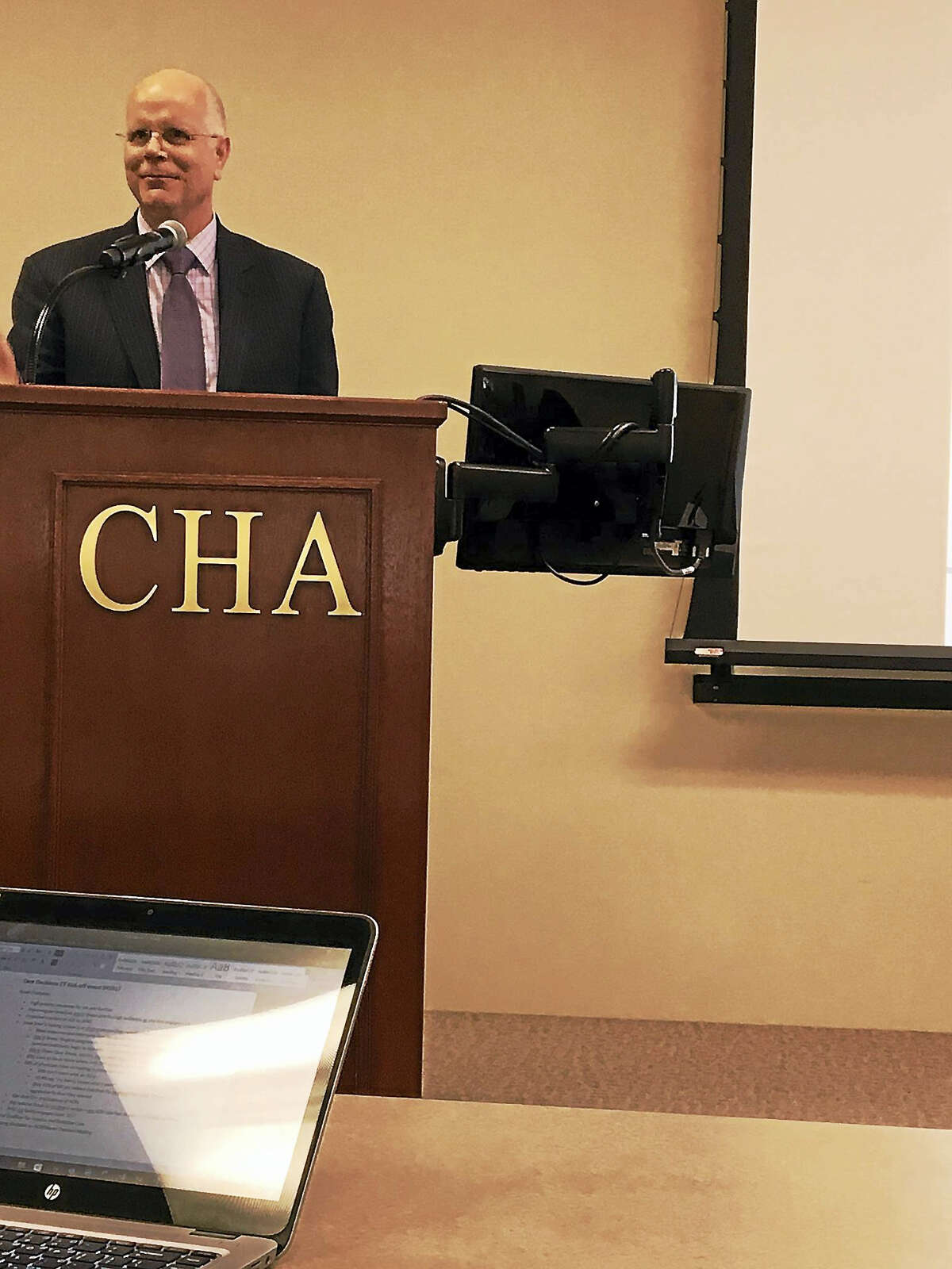 MARY E. O'LEARY — NEW HAVEN REGISTER Comptroller Kevin Lembo addresses a workshop Wednesday at the Connecticut Hospital Association.