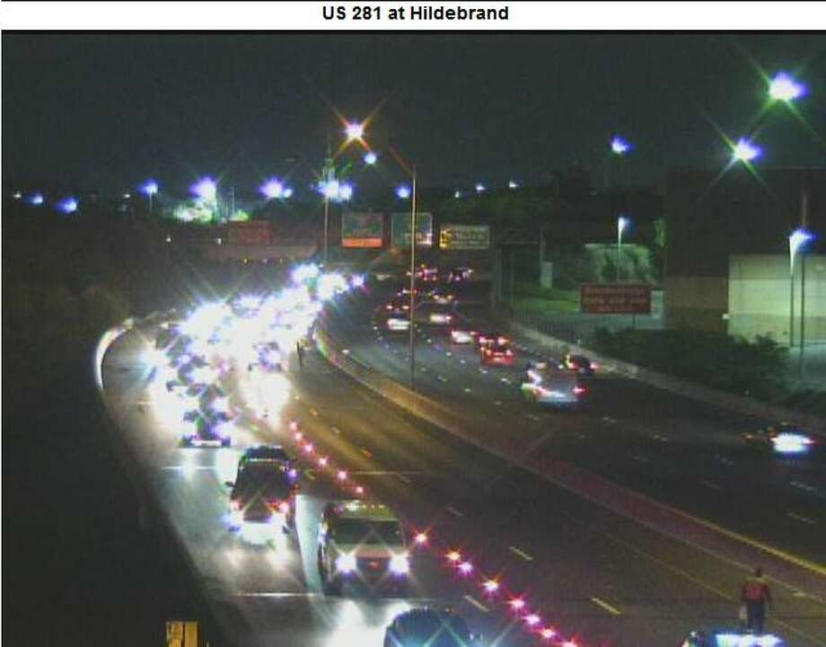 Accident Closes U S 281 North At Hildebrand San Antonio