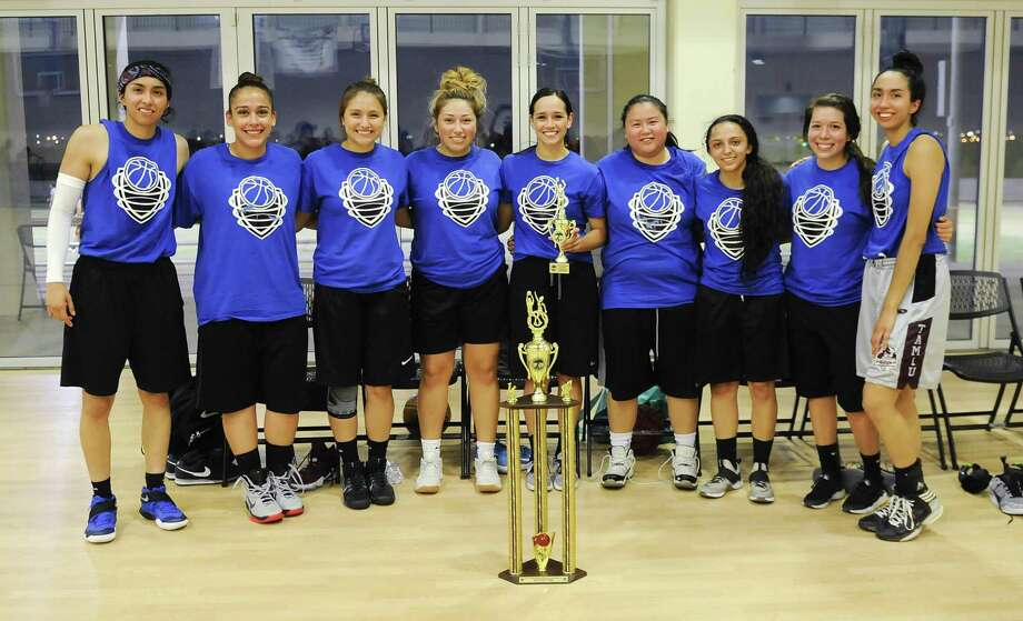 The Riptide won the 2017 Laredo Adult Basketball League championship in the women's division knocking off the Old Stars 68-47. The Riptide finished the season 13-1. Photo: Danny Zaragoza /Laredo Morning Times / Laredo Morning Times