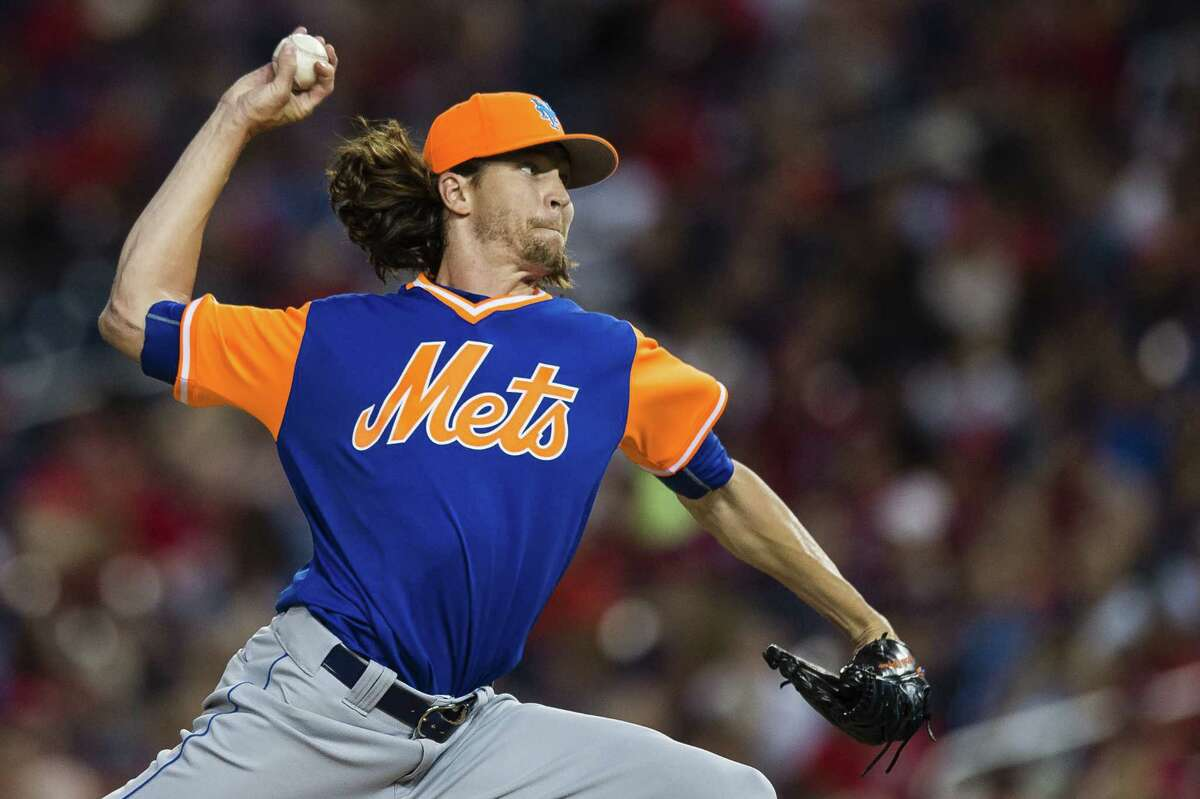 WASHINGTON, DC - AUGUST 25: Starting pitcher Jacob deGrom #48 of the New York Mets throws a pitch to a Washington Nationals batter in the second inning at Nationals Park on August 25, 2017 in Washington, DC. (Photo by Patrick McDermott/Getty Images) ORG XMIT: 700012173