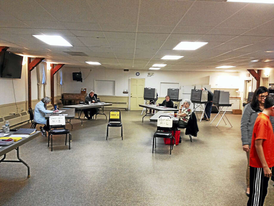 Voters are casting their ballots at Oddfellows Hall on Route 7 in New Milford on Tuesday, Nov. 8, 2016. Photo: Emily Olson — Register Citizen