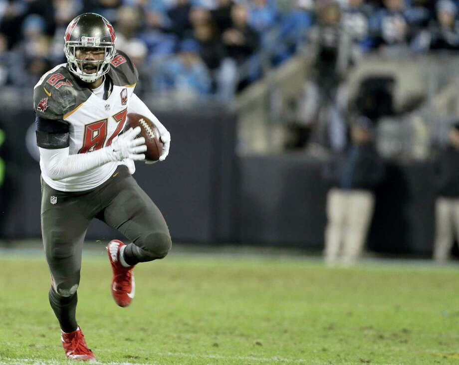 The Jets claimed tight end Austin Seferian-Jenkins off waivers from the Buccaneers, who cut him last week after he was arrested on suspicion of driving while under the influence. Photo: Bob Leverone — The Associated Press File  / AP