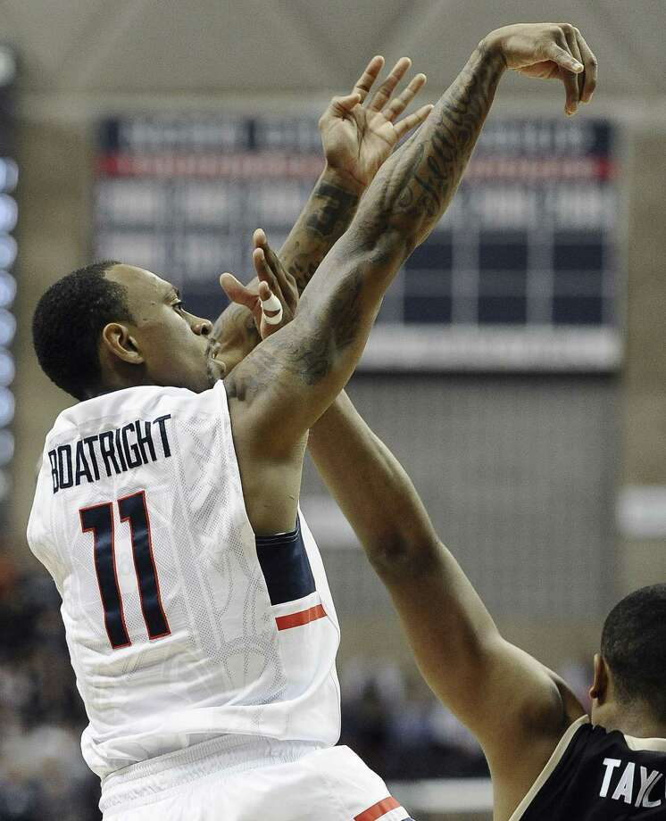 UConn's Ryan Boatright shoots during the first half of Thursday's win over Central Florida in Storrs. Photo: Jessica Hill — The Associated Press  / AP2015