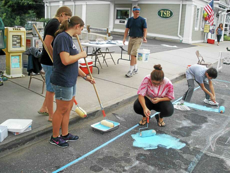 "Participants ""Paint the Pavement"" during an event sponsored by the Art League and town of New Hartford Saturday, Sept. 19, 2015 Photo: Stephen Underwood — The Register Citizen"