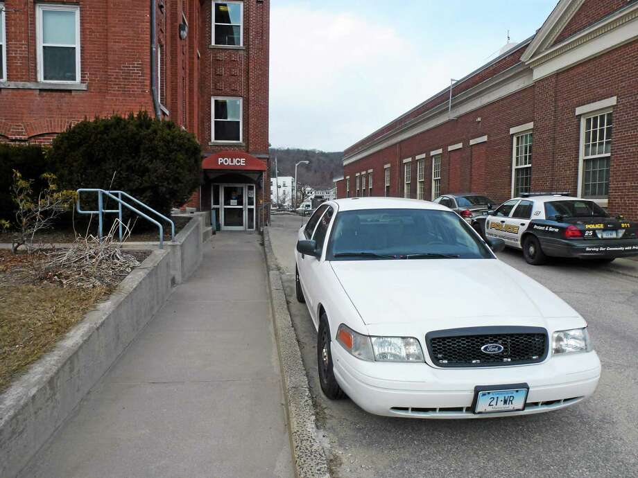 The Winchester Police Department is located at 338 Main Street, right next to town hall. Photo: Journal Register Co.