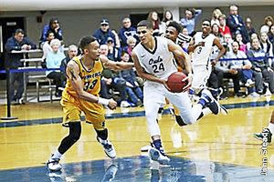 Torrington's Desmond Williams scored an SCSU career-high 31 points last Saturday. Photo: Photo Courtesy Of SCSU