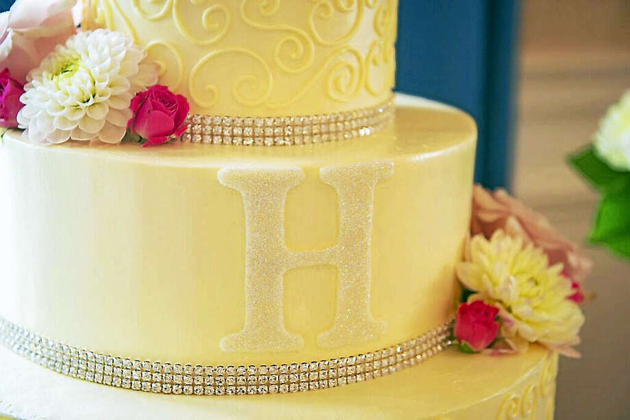 Buttercream Cake by J-Cakes Photo: Photo By A Joyous Moment.