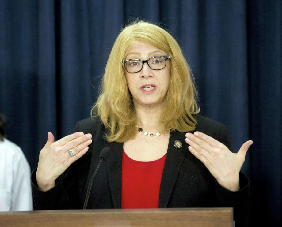 Assemblymember Linda Rosenthal, D-Manhattan, talks about her bill to ban the declawing of cats during a news conference on Tuesday, May 17, 2016, in Albany, N.Y. Photo: AP Photo/Mike Groll   / AP