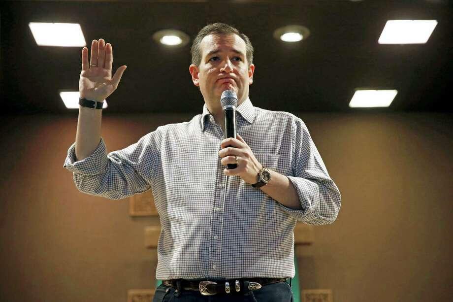 Republican presidential candidate, Sen. Ted Cruz, R-Texas holds a town hall at Praise Community Church in Mason City, Iowa on Jan. 8, 2016. Photo: AP Photo/Patrick Semansky  / AP
