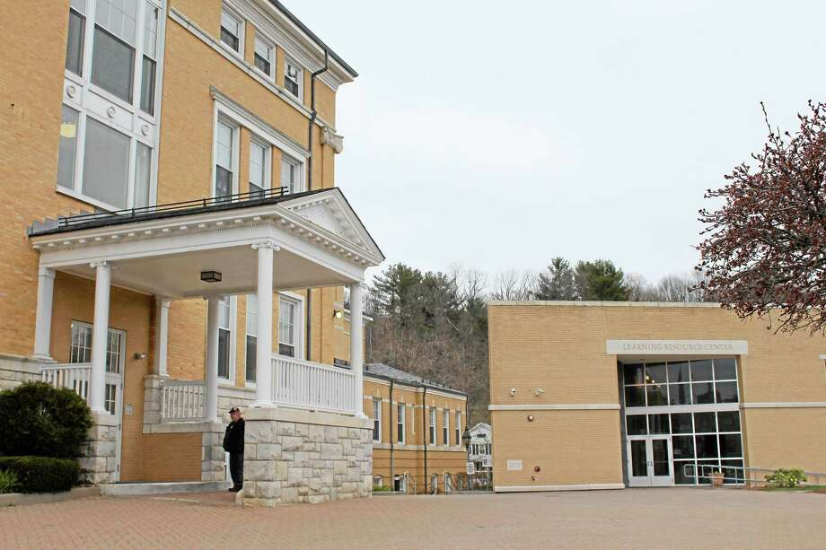 JASON SIEDZIK/ Register Citizen ¬ Online courses, such as Northwestern Connecticut Community College's offerings, have played a role in the growth of non-traditional students at other community colleges in the state. Photo: Journal Register Co.