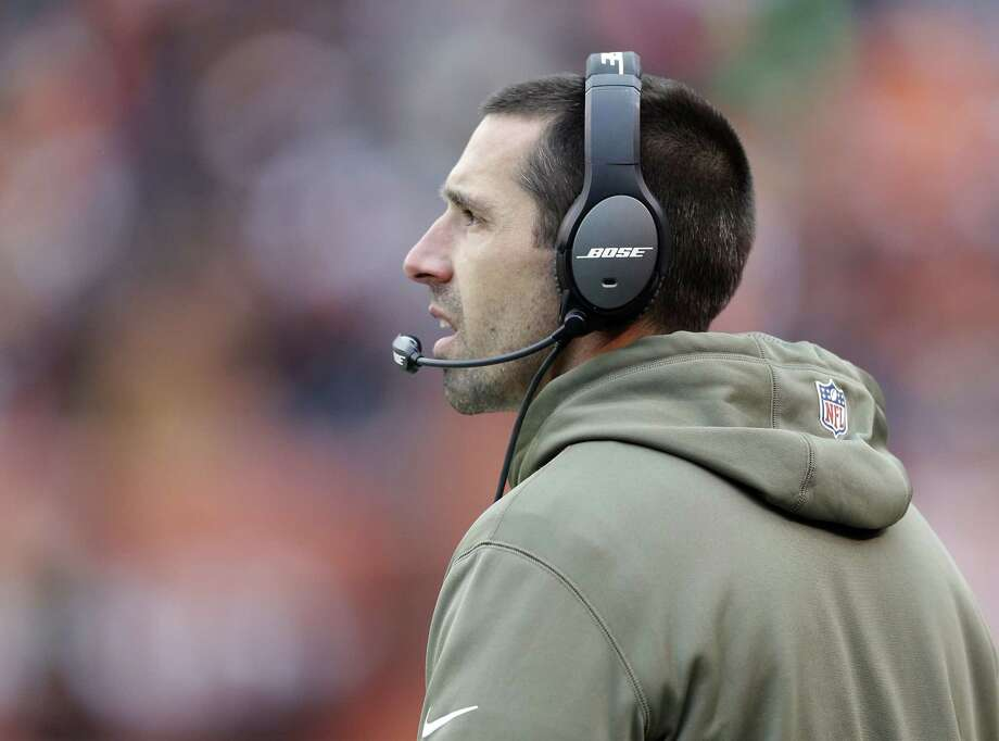 Cleveland Browns offensive coordinator Kyle Shanahan and quarterbacks coach Dowell Loggains will not be returning to the Cleveland Browns. Photo: Tony Dejak — The Associated Press File Photo  / AP