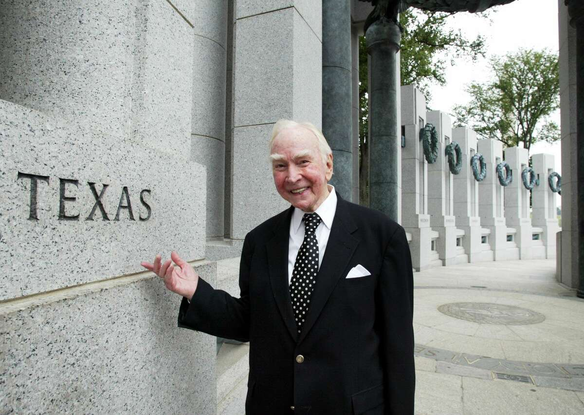 FILE - In this July 29, 2005, file photo, former House Speaker Jim Wright, of Texas, stands next to the Texas pillar while touring the World War II Memorial in Washington. Wright, the longtime Texas Democrat who became the first speaker in history to be driven out of office in midterm, died Wednesday morning, May 6, 2015. He was 92.